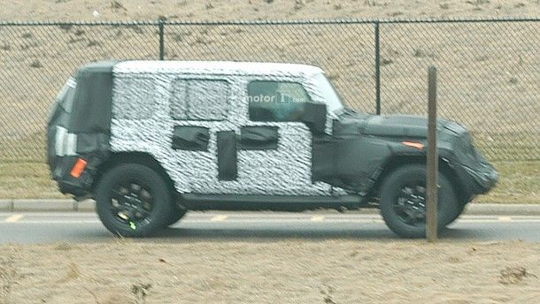 2018-jeep-wrangler-spy-shots (3)