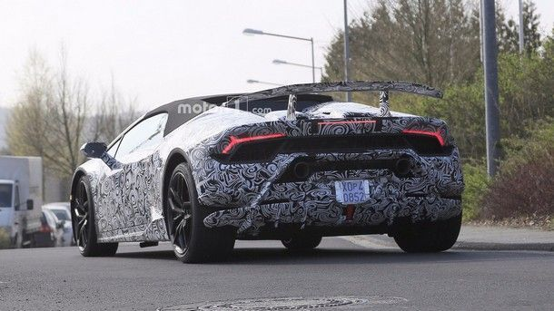 2018-lamborghini-huracan-performante-spyder-spy-photo