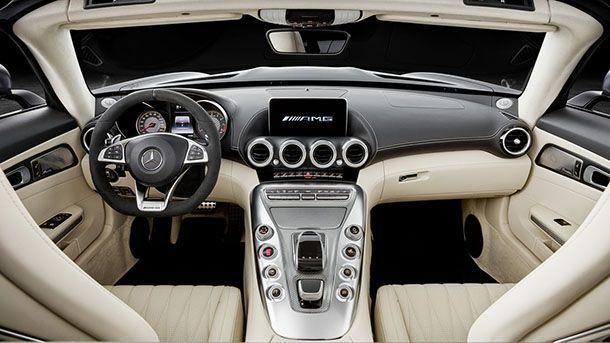 https://img.icarcdn.com/autospinn/body/2018-mercedes-amg-gt-roadster-7.jpg