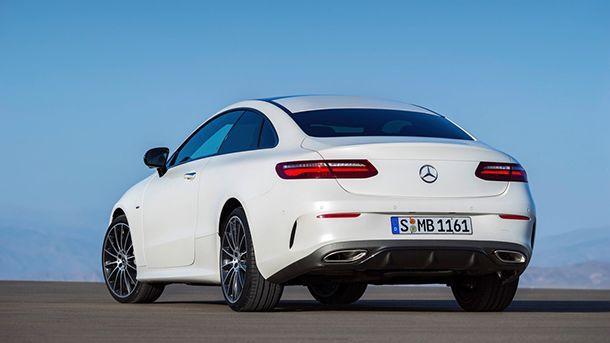 https://img.icarcdn.com/autospinn/body/2018-mercedes-benz-e-class-coupe.jpg