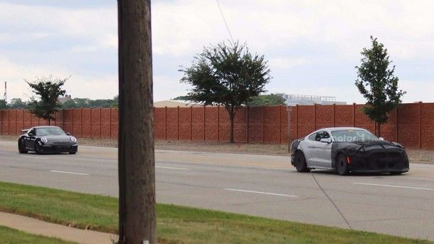 2019-mustang-shelby-gt350-spy-photo (3)