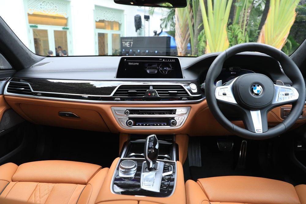 อุปกรณ์ bmw 730Ld / 745Le xDrive M Sport
