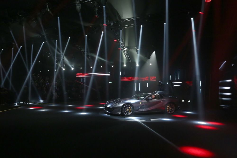 เปิดตัว Ferrari 812 GTS