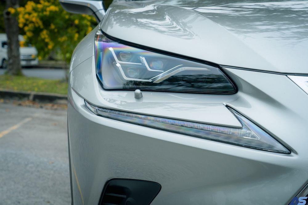 ไฟหน้า Lexus NX 300h