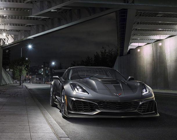 https://img.icarcdn.com/autospinn/body/2aadfbe8-2019-chevrolet-corvette-zr1-003.jpg