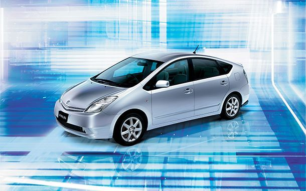 https://img.icarcdn.com/autospinn/body/2nd-Gen-PRIUS.jpg