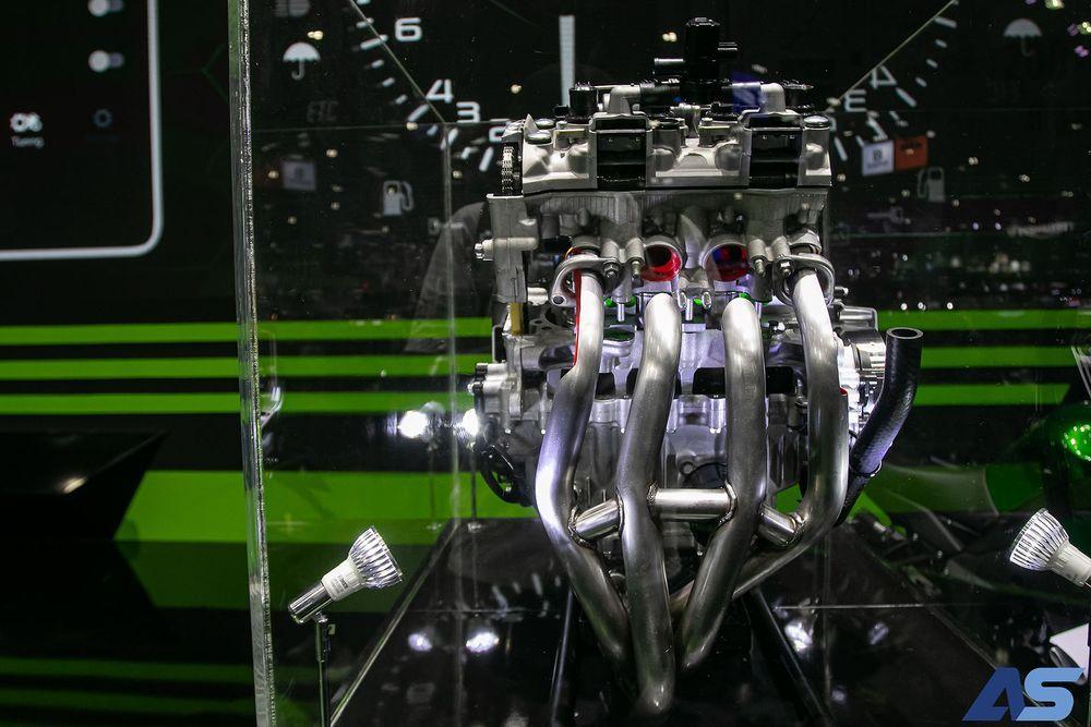 เครื่องยนต์ ZX-25R