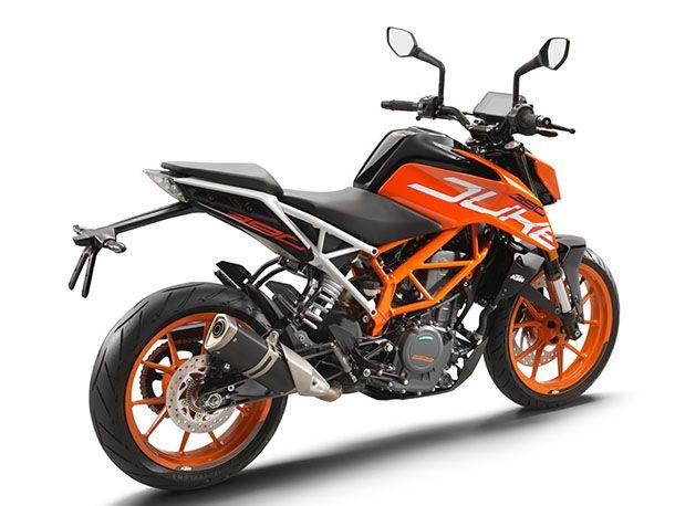 https://img.icarcdn.com/autospinn/body/387eaaa4-2017_ktm_390_duke_central_florida_powersports_rear_right__1.jpg