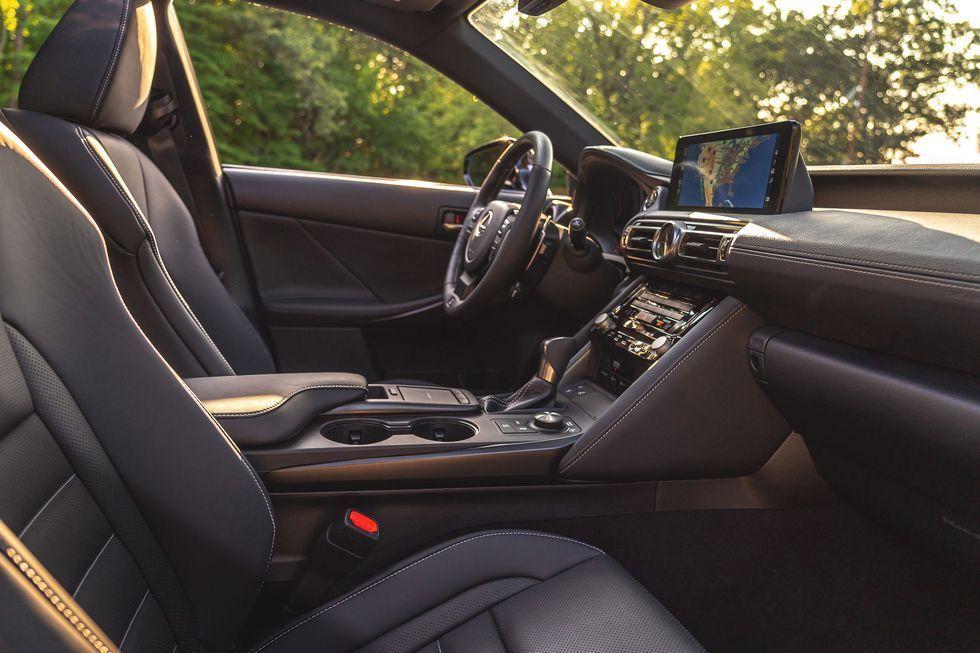 ภายใน Lexus IS 350 F Sport