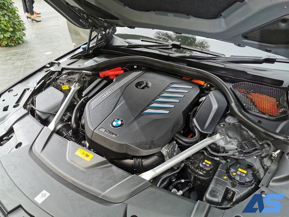 เครื่องยนต์ บีเอ็มดับเบิลยู 730Ld / 745Le xDrive M Sport