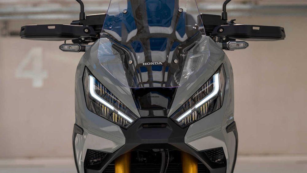 Honda XADV 2021 Headlight
