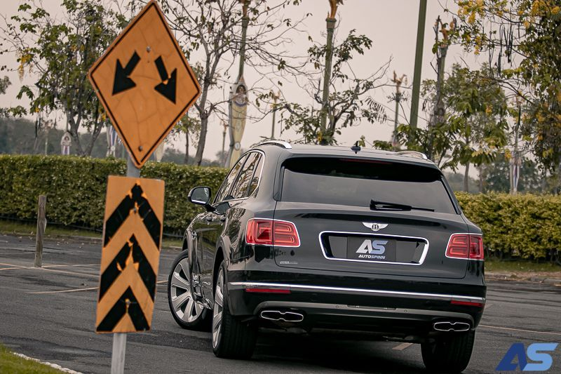 รีวิว Bentley Bentayga V8