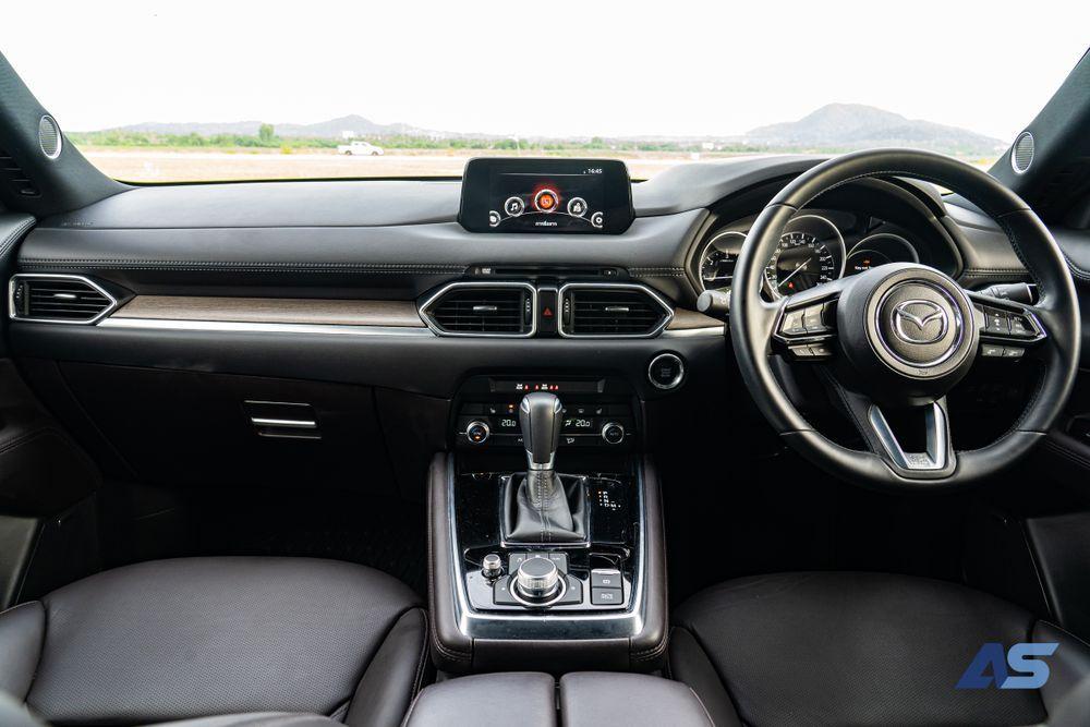 ภายใน Mazda CX8