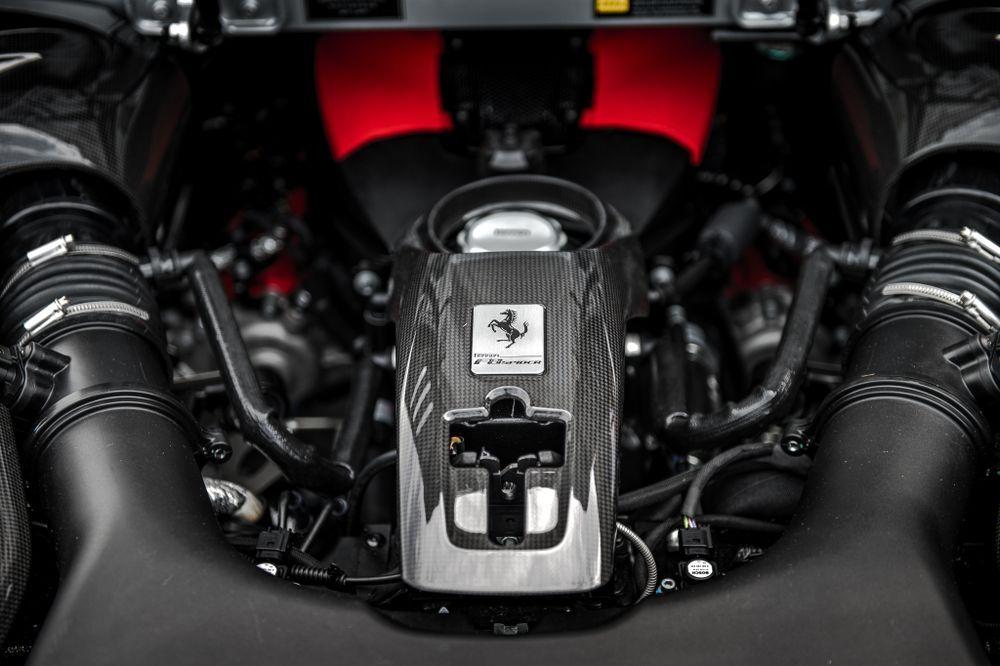 เครื่องยนต์ V8 ของเฟอร์รารี่