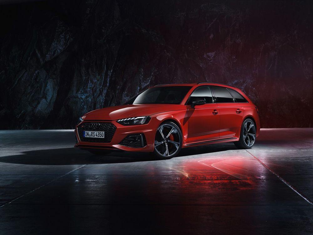 ภายใน New Audi RS 4 Avant quattro