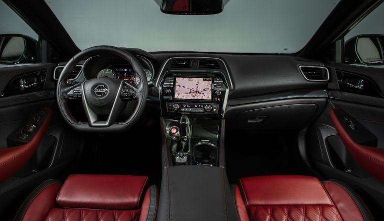 ภายใน Nissan Maxima 2021