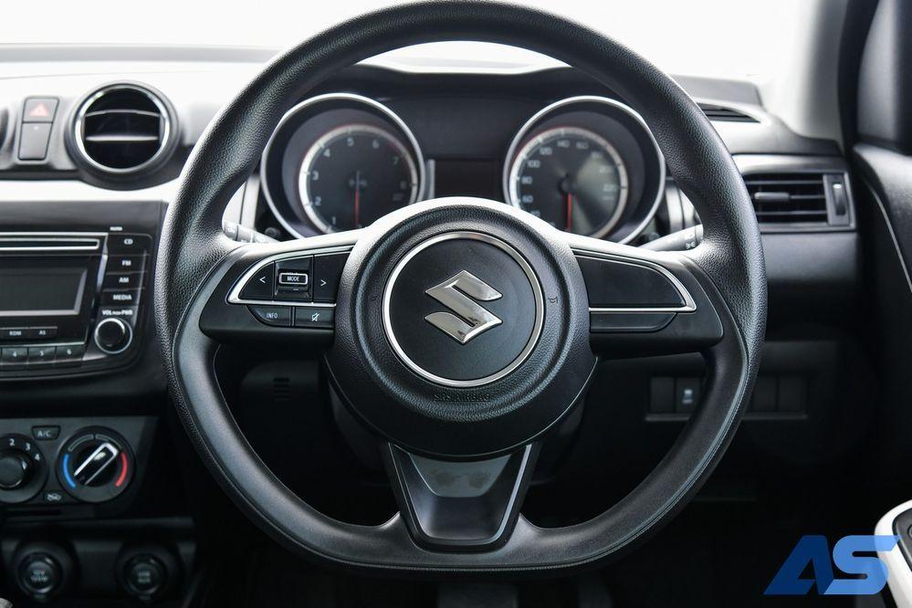 พวงมาลัย Suzuki Swift GL Max Edition
