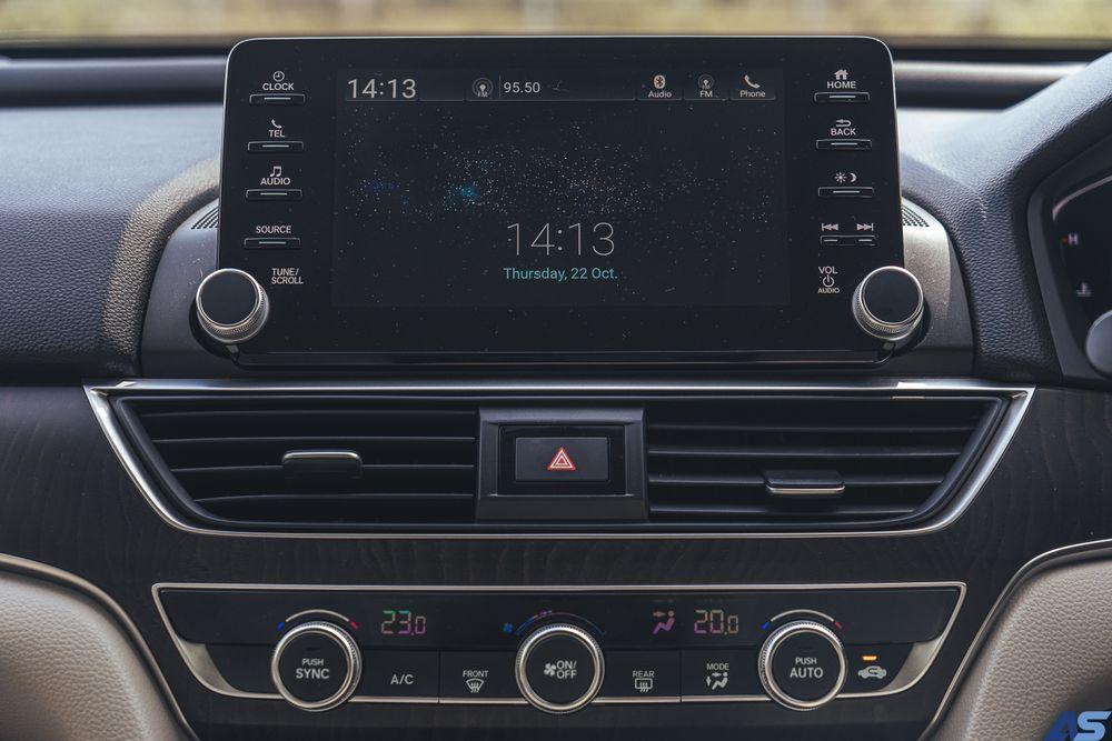 หน้าจอเครื่องเสียงระบบสัมผัส Touchscreen