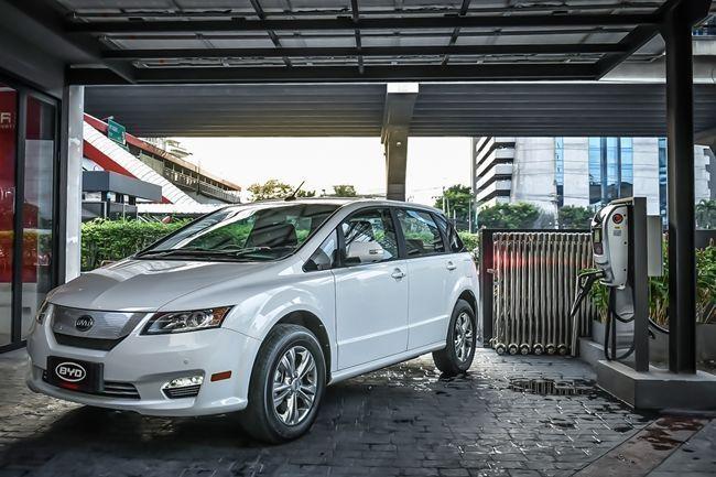 รถยนต์ไฟฟ้าBYD E6