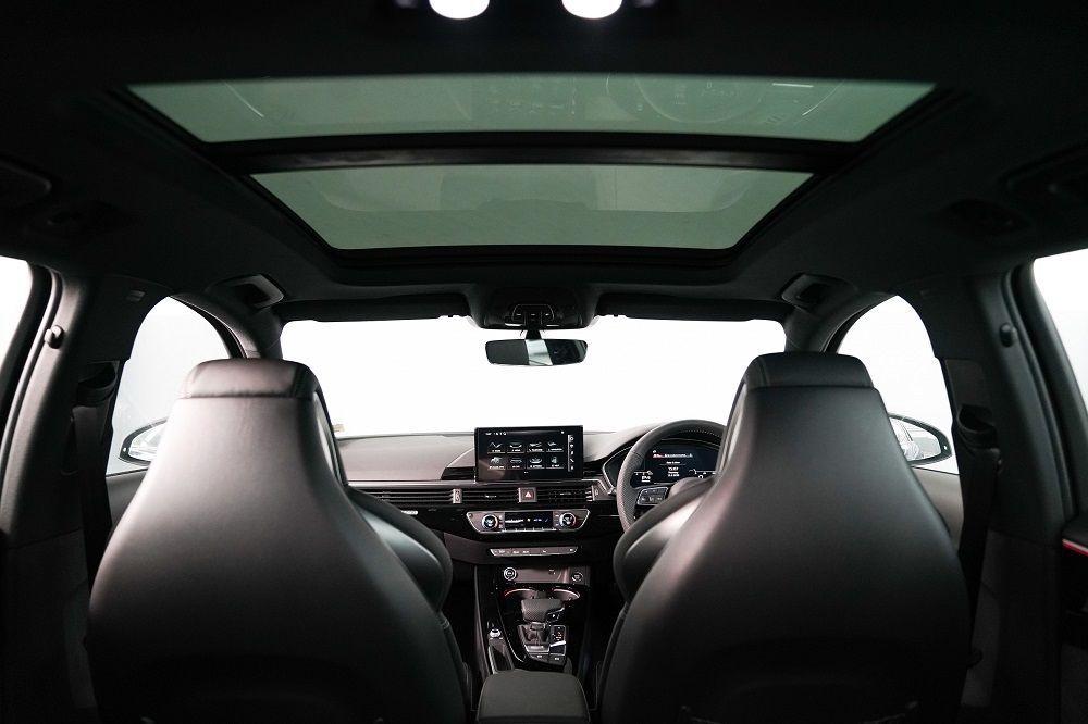 ภายในAudi A4 Avant 45 TFSI quattro S line Black Edition
