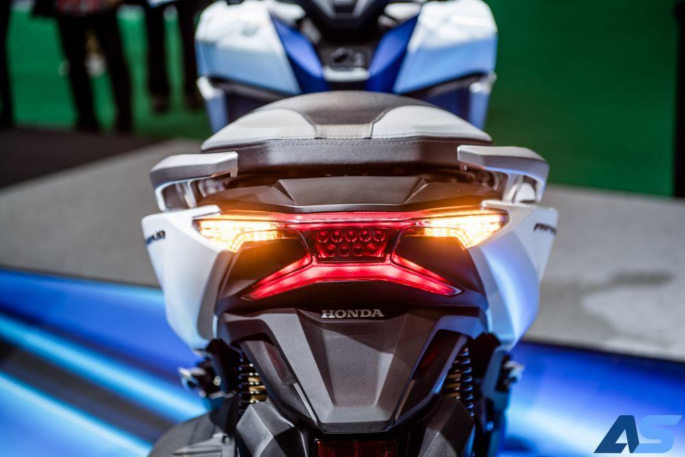 review Honda Forza 350