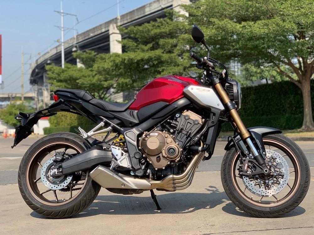 การขับขี่ Honda CB650R