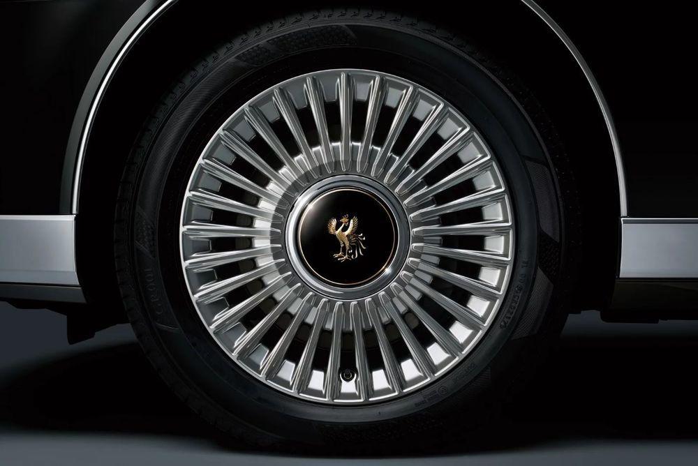 2018 Toyota Century ชีวิตติดหรูแบบ Rolls-Royce ในราคาเพียงครึ่งเดียว