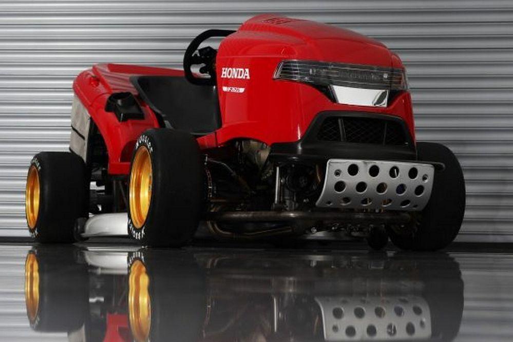 Honda เนรมิตรถตัดหญ้า1000RR ขุมพลังจาก CBR1000RR SP