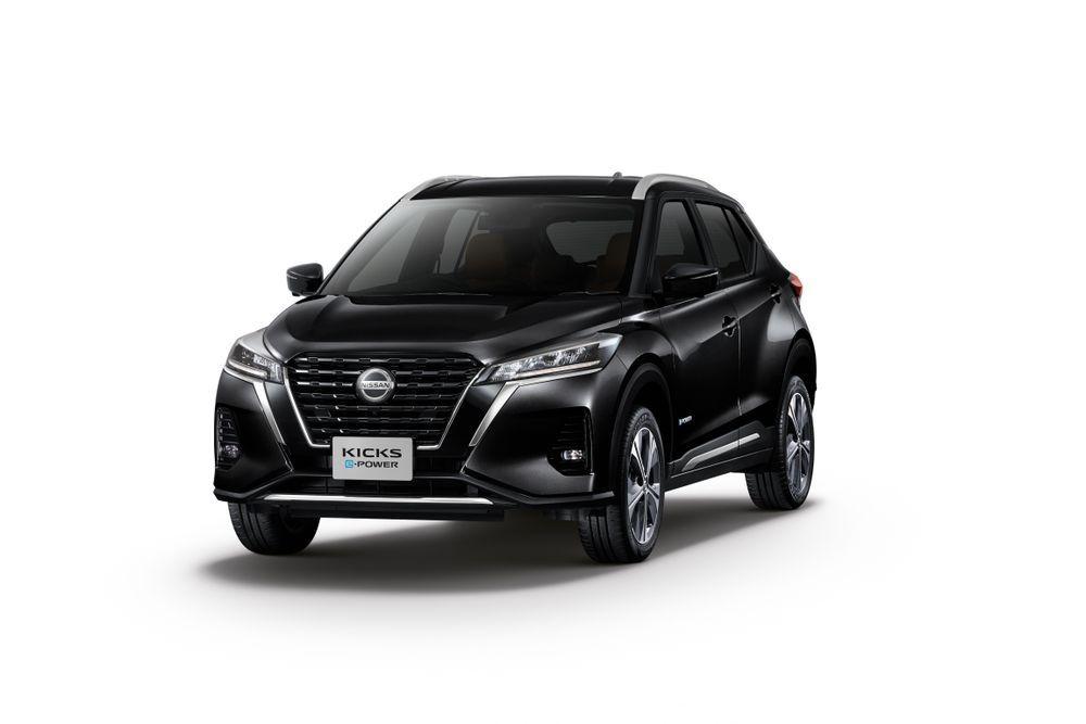 Nissan Kicks สีดำ แบล็ค สตาร์