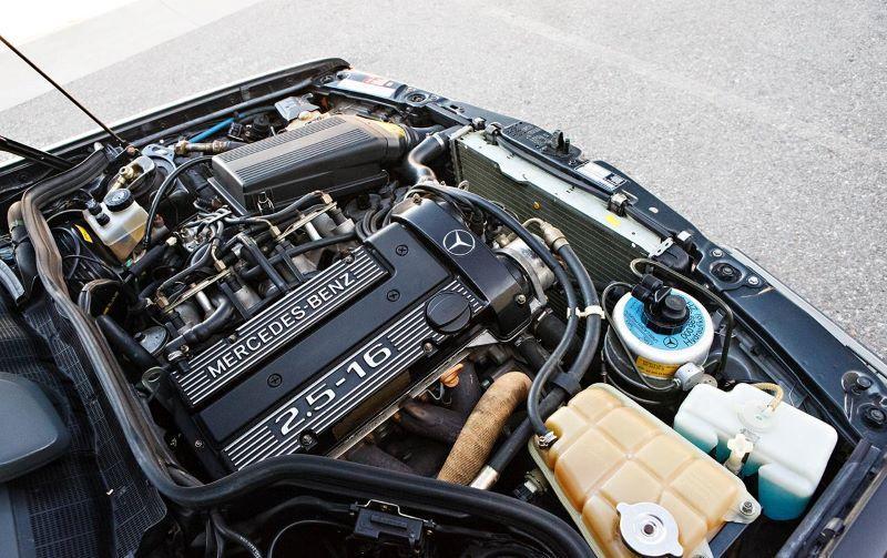 เครื่องยนต์ Mercedes-Benz 190E