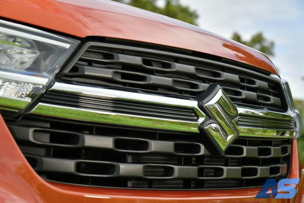 กระจังหน้า Suzuki XL7