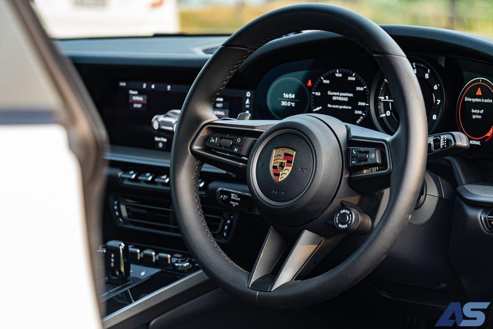 พวงมาลัย Porsche 911 Carrera S