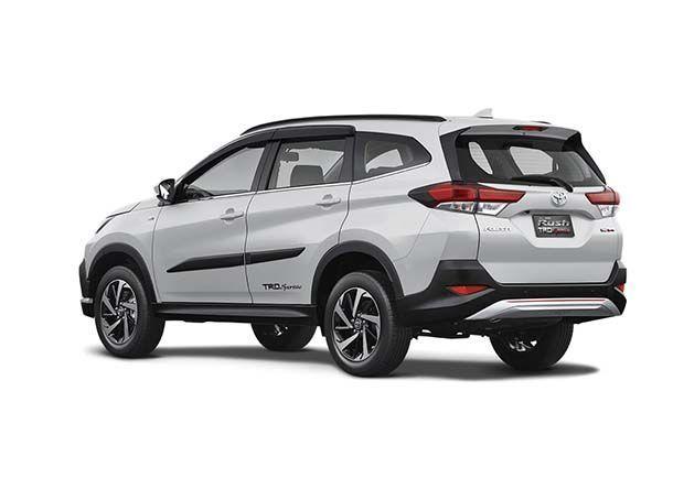 https://img.icarcdn.com/autospinn/body/79e426fc-toyota-rush-2018-unveiled-13.jpg