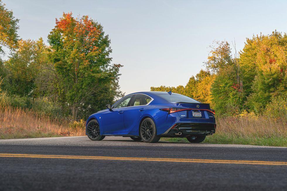 เปิดตัว Lexus IS 350 F Sport