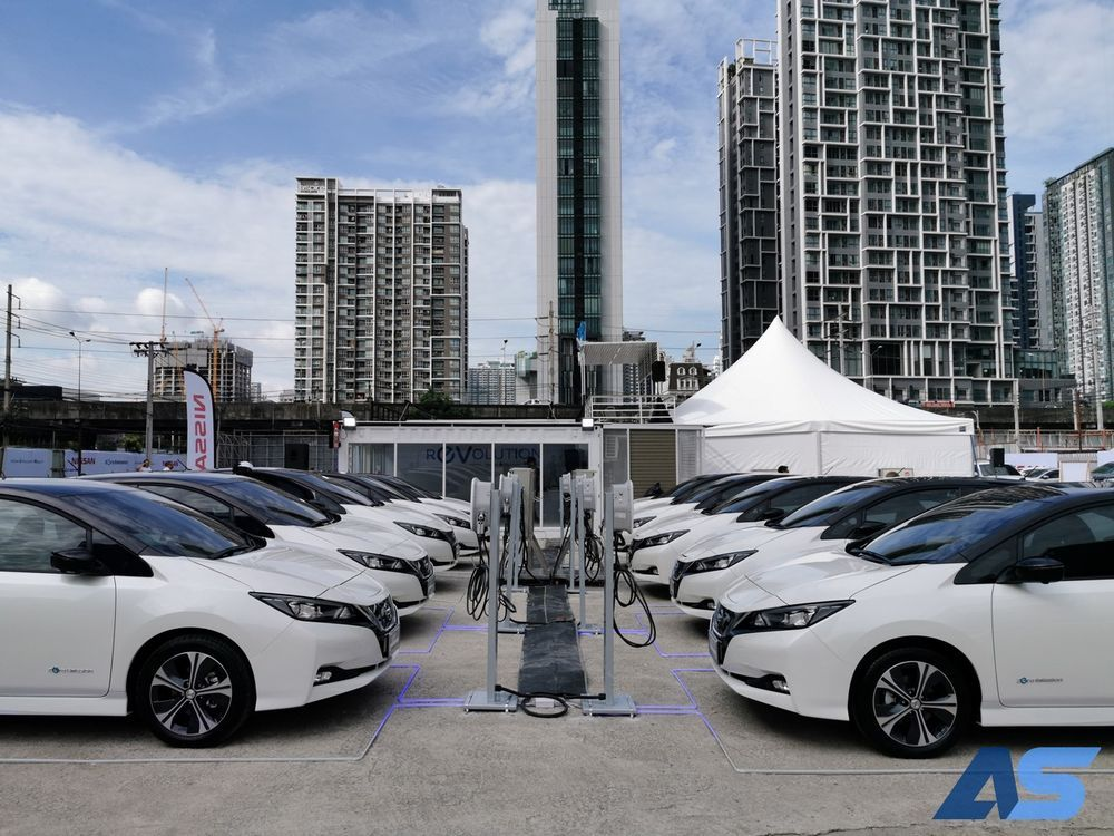 review nissan leaf