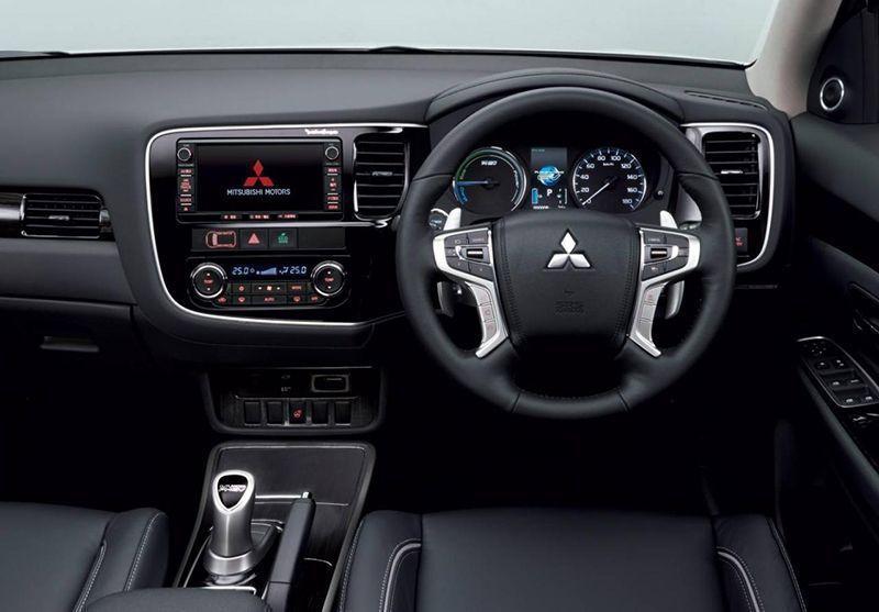 เปิดตัว Mitsubishi Outlander PHEV
