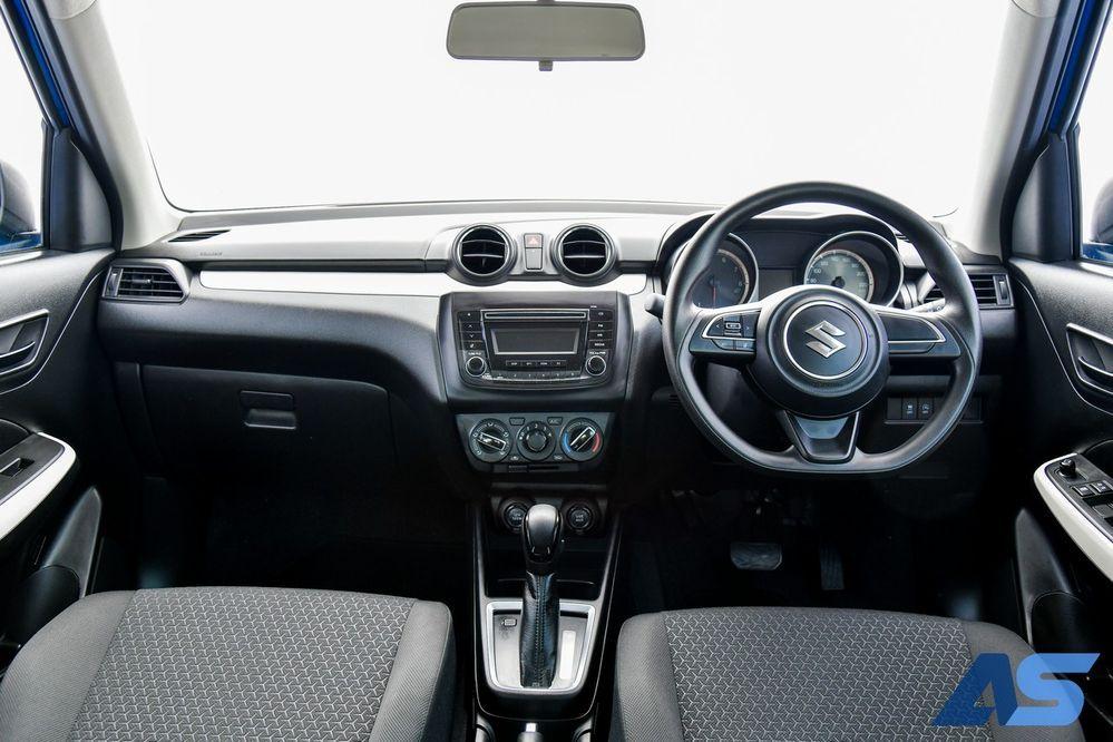 ภายใน เครื่องยนต์ Suzuki Swift GL Max Edition
