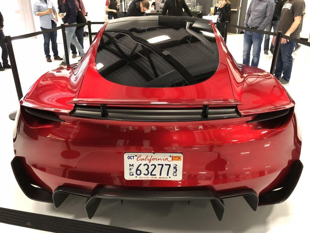 ท้ายรถ New Tesla Roadster