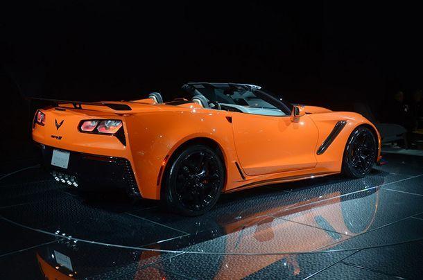 https://img.icarcdn.com/autospinn/body/93e61822-corvette-zr1-convertible-livepics-10.jpg