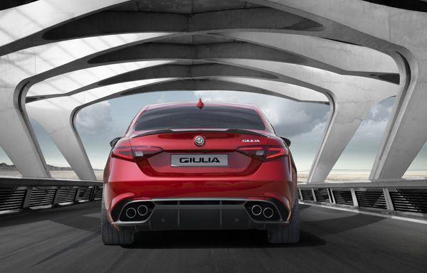 https://img.icarcdn.com/autospinn/body/Alfa-Romeo-Giulia-10-r.jpg