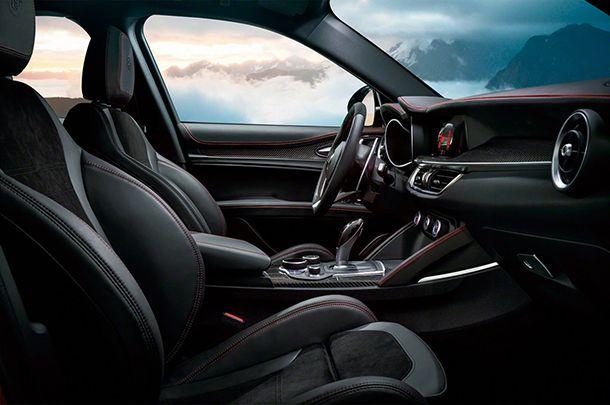 https://img.icarcdn.com/autospinn/body/Alfa-Romeo-Stelvio-2.jpg