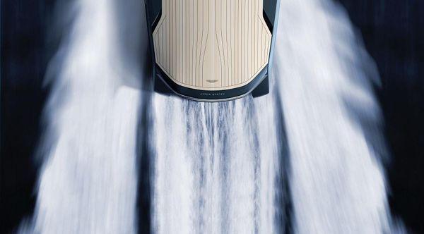https://img.icarcdn.com/autospinn/body/Aston-Martin-AM37-yacht-2.jpg