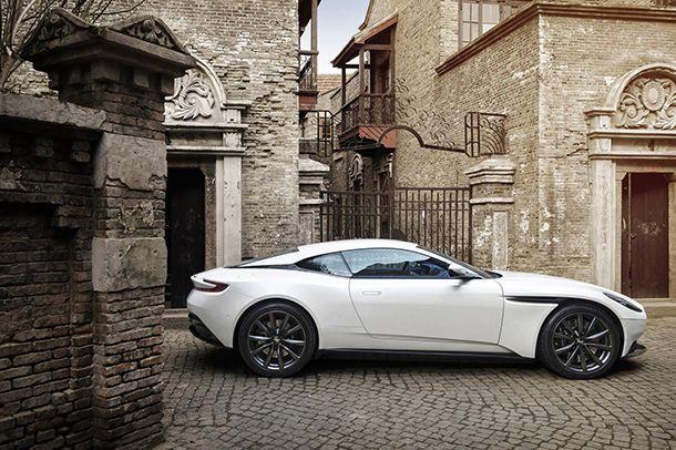 https://img.icarcdn.com/autospinn/body/Aston-Martin-DB11-9.jpg