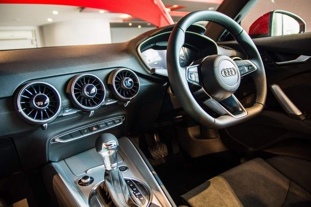 Audi TT Coupe (24)