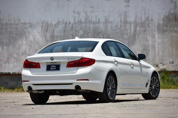 https://img.icarcdn.com/autospinn/body/BMW-520d-Sport-1-1.jpg