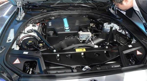 https://img.icarcdn.com/autospinn/body/BMW-530Le-plug-in-2.jpg