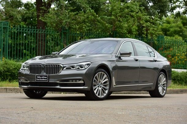 BMW 740Le xDrive Pure Excellence (32)
