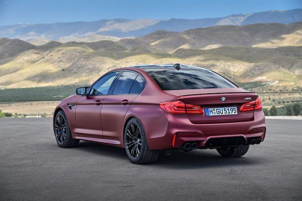 https://img.icarcdn.com/autospinn/body/BMW-M5-46.jpg
