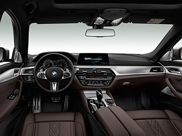 https://img.icarcdn.com/autospinn/body/BMW-M550d-9.jpg