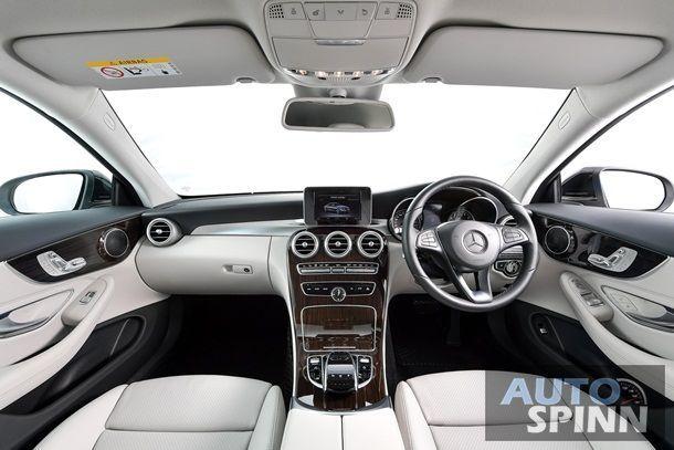 C 250 Coupe Sport - Interior (1)